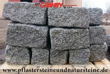 """Rustikale Natursteine - Erzeugnisse aus Granit ohne scharfe Kanten / Firma B&M GRANITY - Rustikale Erzeugnisse aus Granit…getrommelte, ohne scharfe Kanten, """"auf alt gemacht"""": Pflastersteine, Mauersteine/ Quader/ Blöcke und Platten. Solche Produkte haben leicht gerundete Formen. Die passen zu den antiken und rustikalen, aber auch zu den modernen Projekten, Objekten…Solche Steine lässt sich auch wunderbar vielseitig (alt/modern) verbinden."""