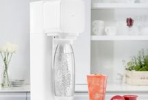 SodaStream Play / The Play Drinks Maker is the newest product in the SodaStream range and is designed by renowned European product designer Yves Béhar.