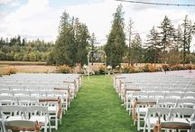 C E R E M O N I E S / Real ceremony's at The Kelley Farm! Gather ideas from aisle way decor to set-up options for your ceremony at The Kelley Farm!