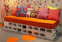 καναπές με τούβλα