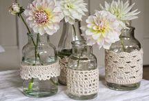 borcane cu decorațiuni crosetate