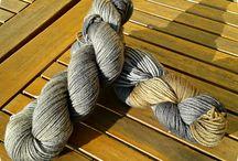 Wool coloring