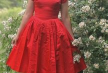 Vintage dresses / I just love the fashion of the 1940s and 50s!