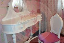 Um espaço de princesa / Um quarto para uma boneca ou para uma princesa criado por Um Quarto Meu.