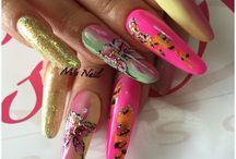 Long nails / Nails