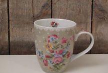 Tassen & Becher ~ Cups & Mugs / Nichts geht über ein liebevolles Design. It´s all about a lovely design.
