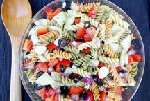 Salads / A board for delicious salad recipes, including lettuce, pasta, chicken, and all kinds of salads.