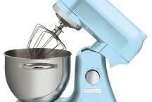 Wartmann Keukenmachine / Wilt u mixen, kloppen en mengen dan is deze Wartmann standmixer keukenmachine met een vermogen van maar liefst 1000 Watt een uitstekende keuze. De Wartmann standmixer keukenmachine heeft een stevige behuizing van gegoten aluminium en een mooie, klassieke, vormgeving.