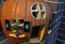 Halloween / Halloween Pumpkin Carvings, Pumpkin House, Pumpkin RV, Pumpkin Camper, Decorating with Pumpkin