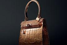 Handbags / by Magena Bonifasi