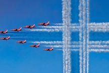 Red Arrows / Red Arrows lentonäytös Suomi 100 juhlavuoden kunniaksi. Helsinki AirShow 9.6.2017. Suomen lippu!
