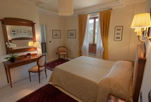Suites / Villa Jacopone has 4 prestigious suites (45/50 mq). Among these, three are situated on the first floor (all with independent access and panoramic terrace overlooking Florence), whereas the fourth one is at garden level, overlooking the swimming pool. Every suite has a spacious living room fitted with every comfort, kitchenette, spacious double room, marble-clad bathroom with frescoes, equipped panoramic terrace.
