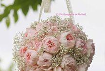 Buquê de Noiva Rosas / Clássicas, as rosas compõem lindos buquês de noiva, seja sozinha ou acompanhadas de lírios, flores do campo e - porque não? - suculentas! #primaveragarden #casamento #buquedenoiva #ideiacasamento