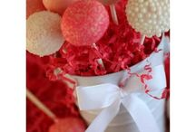 Cake pops / by Jodie Audia