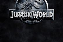 Jurassic Word / Il faut dire que Jurassic World est mon film préféré   si vous me demandez '' c'est quoi ton film préféré de chez préféré ? '' je dirais Jurassic World c'est obligé. J'adore les dinosaures et surtout les raptors ( perso ma préférée des raptors c'est Blue) donc j'adore ce film. Je le connais même par coeur et j'attends avec impatience le 2 prévu pour le 22 juin 2018 normalement. Voilà