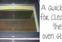Cleaning glass oven door