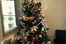 It's beginning to look a lot like Christmas! / Office Holiday Decor