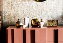 Color del Año 2015 - Naranja Cobrizo - Colour Futures 15 / Positividad es la palabra que define una decoración de colores cálidos de rosas, rojos y naranjas. Demos modernidad y luz al año.