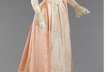 1880s Fashions / Women's costume in the 1880s
