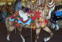 Carousel horses / Art