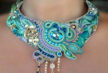 šperky a korálky