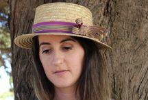 Sombreros primavera-verano / Ideales para protegerte del sol con un toque de elegancia.Estan adornados con cintas de lunares  y rayas para el dia, y con grandes flores y tul para llevarlos por la noche.