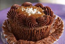 cupcakes & cake decorating  / by Jennifer Saddler