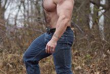 Big Muscle/Bear Men