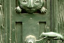 Door Knobs and Knockers / by Avril Dudley
