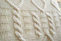 Gebreide woonaccessoires/ Knitted home accessoiries