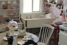 Dollhouses and miniatures / by Shannon Brooks