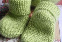 Tricot layette.  Chaussettes