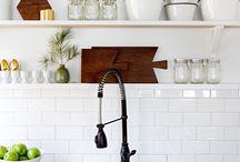 Kitchen Styling & Open Shelves