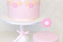 Maisie birthday cake