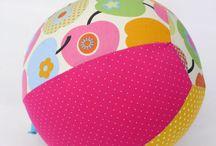 ✪ luftballonhüllen von traumgenäht ✪ / Luftballonhüllen, Spielzeug, Ball, Rassel, Kind, Baby, Geschenk, Geburt, Taufe, Geburtstag,   http://de.dawanda.com/shop/traumgenaeht/3444879-Luftballonhuellen