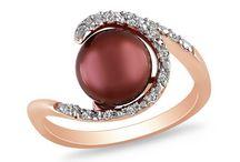 Love jewelry  / by Cheryl Iwinski