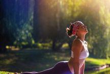 Yoga liikkeitä