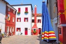 Caorle, Adriatyk, Włochy / Caorle ze swoimi kolorowoymi domkami, malowniczymi uliczkami, targami, portem i plażą jest jednym z najpiękniejszych miast włoskiego Adriatyku:  http://www.eurocamp.pl/miejsca-warte-odwiedzenia/wlochy/caorle-wlochy