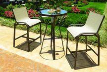 Linha Callera / Composta por conjunto de mesa e cadeiras, mesa alta, banquetas, poltrona reclinável, espreguiçadeira e mesa de apoio a linha Callera possui em sua combinação a tela sling e alumínio.
