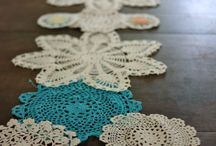 Table runners/doilies / Doillies