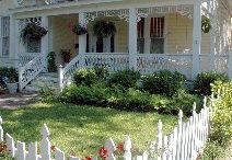 Cottage Curb Appeal / Houses, small homes,