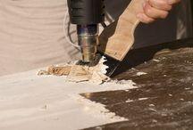 Muurverf verwijderen / Soms moet de muurverf verwijderd worden voordat u verder kunt met uw klus. Het is belangrijk dat de ondergrond goed in orde is voordat u aan de slag kunt met de muurverf.