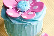 cake decorating / by Dot Hardick