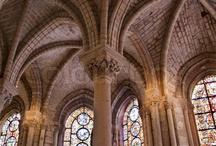 Gothic Art & Architecture / In navolging op de cursus Inleiding Kunstgeschiedenis wordt hier in beeld een introductie gegeven op de geschiedenis van de kunst. De cursus wordt in september 2013 weer gegeven in Utrecht: http://www.klu.nl/.