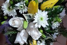 Flores en la despedida / En un momento tan delicado, intentamos reconfortar a la familia y mostrar nuestro cariño con flores.