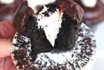 cupcakes / by Lindsey Regalia