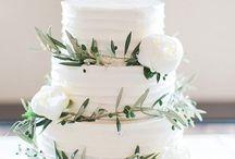 Posing - Wedding Cakes