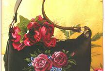 Bolsas Bordadas de Vários Tipos: Ponto Cruz, Lantejoulas, Paetês, Strass, Pedrarias, Miçangas... / Bags of Various Types: Cross Stitch, Sequined, Sequins, Rhinestones, Pedrarias, Beads...
