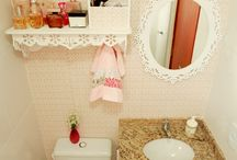 Banheiros , grandes  e pequenos