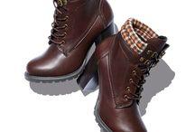 Shoes: Boots